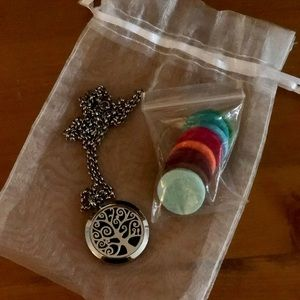 """Jewelry - Beautiful """"Tree of Life"""" Diffuser Necklace"""